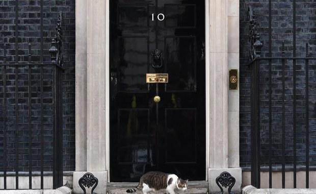 Wielka Brytania: Liderka unionistów spotka się z Theresą May. Będzie porozumienie?