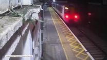 Wielka Brytania: Pijany mężczyzna cudem uniknął śmierci na torach
