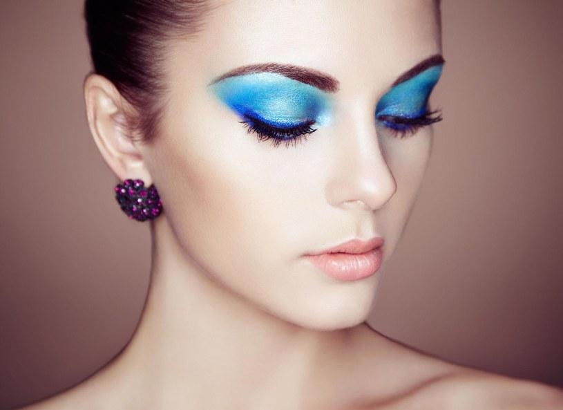 Wielki błękit powraca do makijażu /Picsel /123RF/PICSEL
