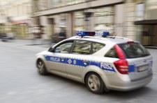 Wielkopolskie: Policjanci ponad 40 km eskortowali auto z rodzącą