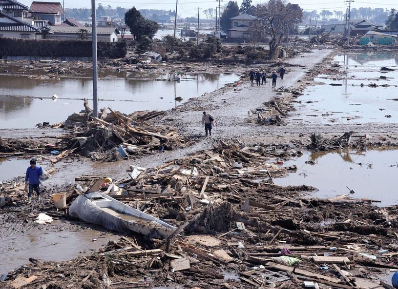 Wielu ludzi do dziś nie odbudowało swych domów /AFP/ East News/ Totu Yamanaka /East News