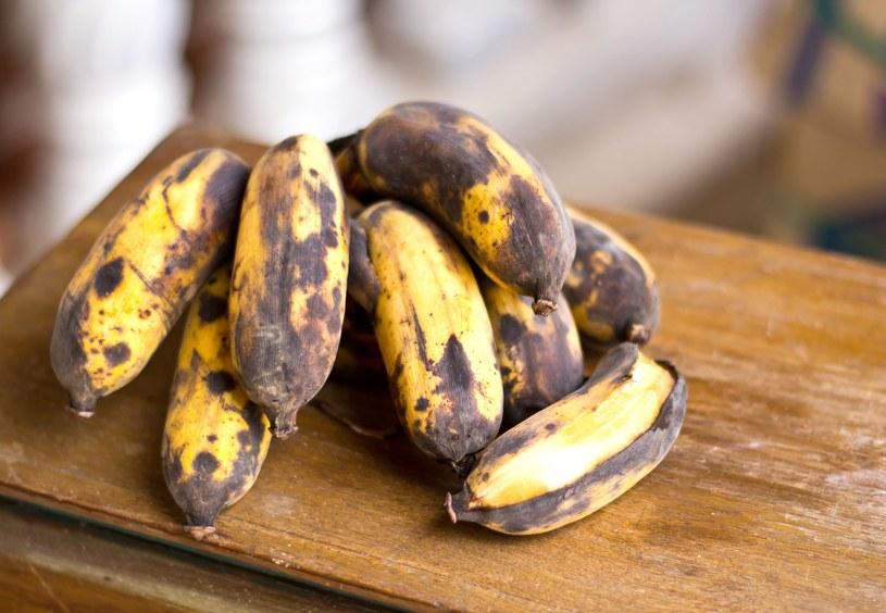Wiemy, co trzeba zrobić, żeby banany nie sczerniały /123RF/PICSEL