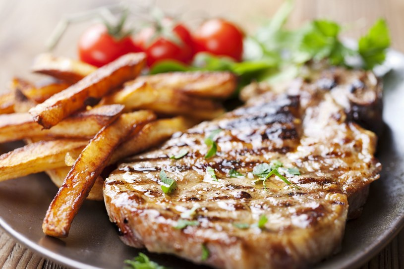 Wieprzowina jest świetnym źródłem witaminy B1, w tym aspekcie przewyższa inne mięsa nawet dziesięciokrotnie /©123RF/PICSEL