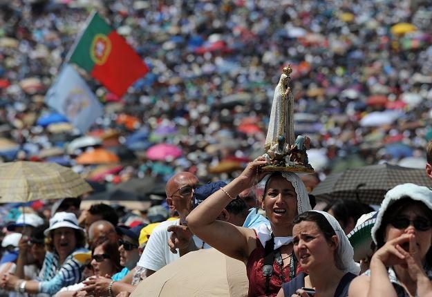 Wierni zgromadzeni w Fatimie /AFP