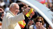 Wierzą papieżowi Franciszkowi, nie wierzą Kościołowi