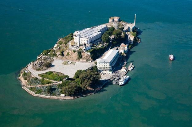 Więzienie Alcatraz w Zatoce San Francisco /123/RF PICSEL
