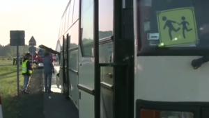 Wikłów: Ciężarówka zderzyła się z autokarem wiozącym dzieci