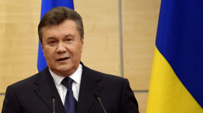 Wiktor Janukowycz wezwał w piątek do przeprowadzenia w każdym regionie Ukrainy referendum /AFP