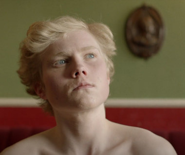 "Will Young: Nagi transseksualista w teledysku ""Brave Man"""