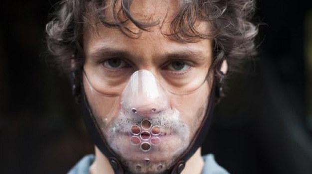 Will zmienia taktykę. Stawia siebie w pozycji ofiary. Czy Hannibal da się wciągnąć w jego grę? /materiały prasowe