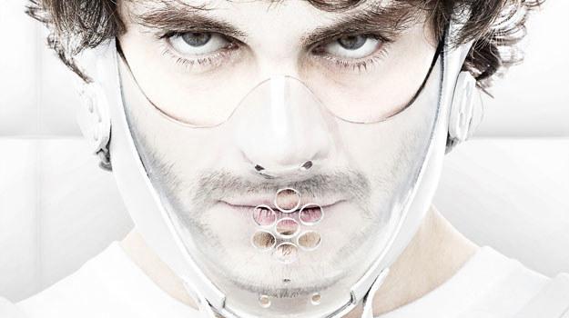 Willa (Hugh Dancy) w więzieniu prześladują potworne wizje /materiały prasowe