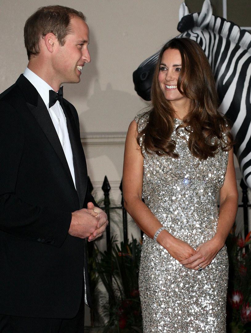 William stara się nie popełnić błędu ojca, księcia Karola, który, niestety, okazał się zbyt słaby, by przeciwstawić się zwartemu frontowi niechęci dworu do księżnej Diany /Getty Images/Flash Press Media