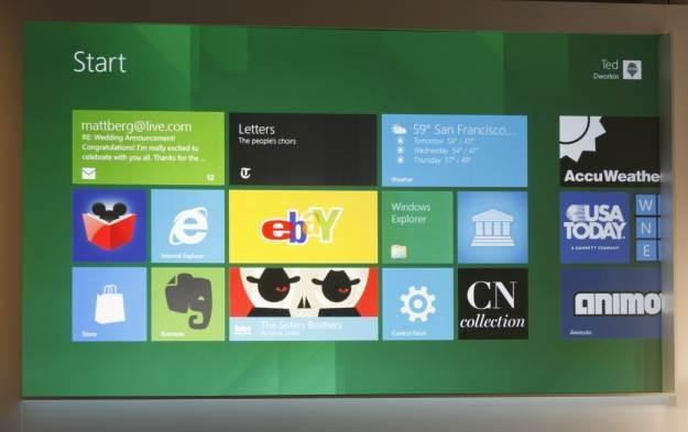 Windows 8 to tak naprawdę wiele rewolucyjnych i odważnych zmian /AFP