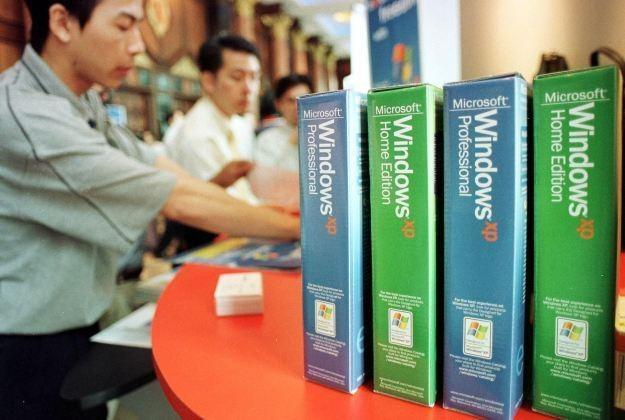 Windows XP coraz wyraźniej traci udziały w rynku /AFP
