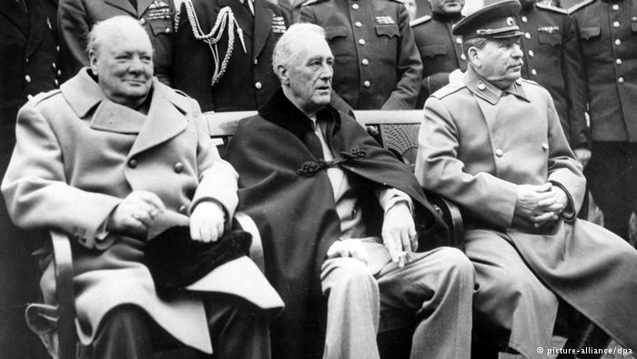 Winston Churchill, Franklin D. Roosevelt i Józef Stalin w Jałcie (od lewej) /Deutsche Welle