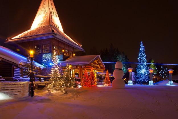 Wioska św. Mikołaja czeka na dzieci /123/RF PICSEL