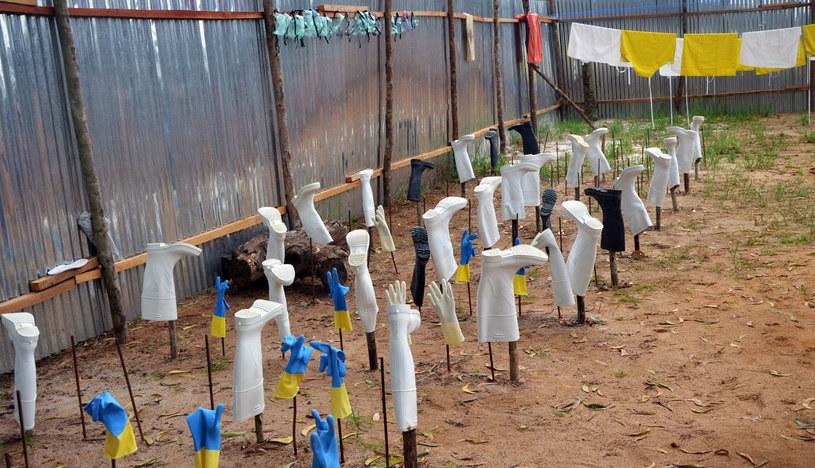 Wirus Ebola wciąż zbiera żniwo /AFP