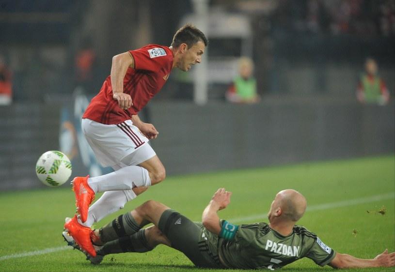 Wiślak Rafał Boguski (z lewej) i Michał Pazdan z Legii /Michał Klag /Reporter