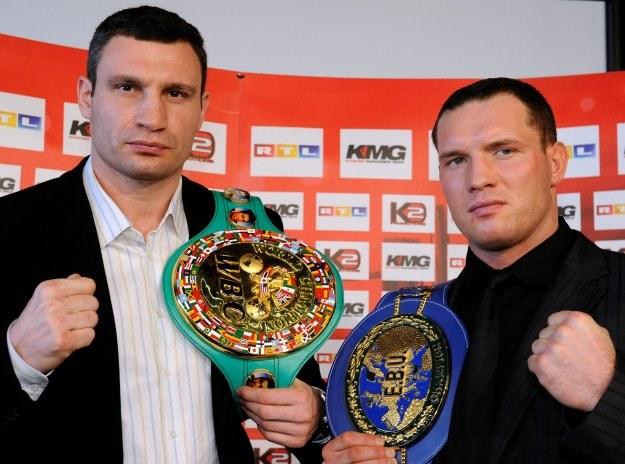 Witalij Kliczko i Albert Sosnowski /AFP