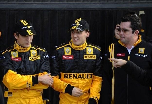 Witalij Pietrow, Robert Kubica i szef teamu Renault Eric Boullier /AFP
