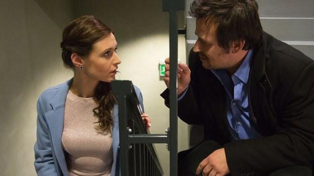 Witek na ślubie zjawi się kompletnie pijany - i sprawi, że panna młoda o mało się nie załamie. /www.nadobre.tvp.pl/