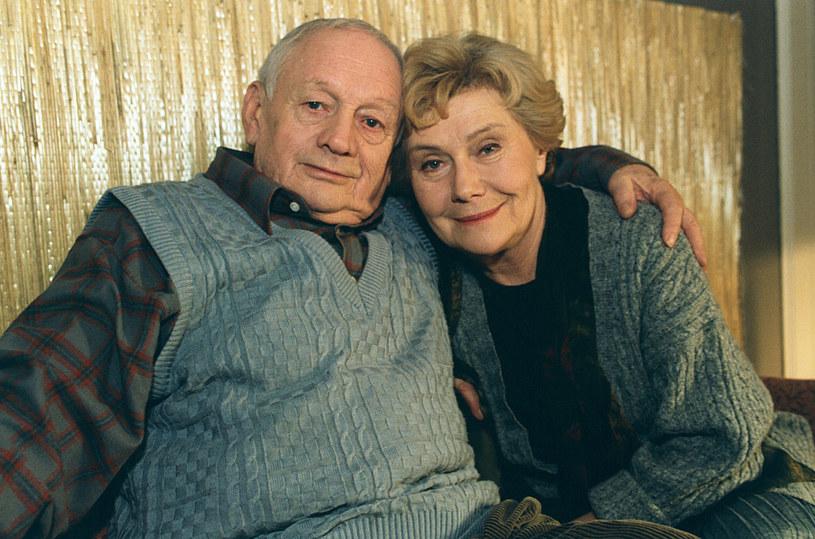 """Witold Pyrkosz i Teresa Lipowska na planie """"M jak miłość"""" /AKPA"""