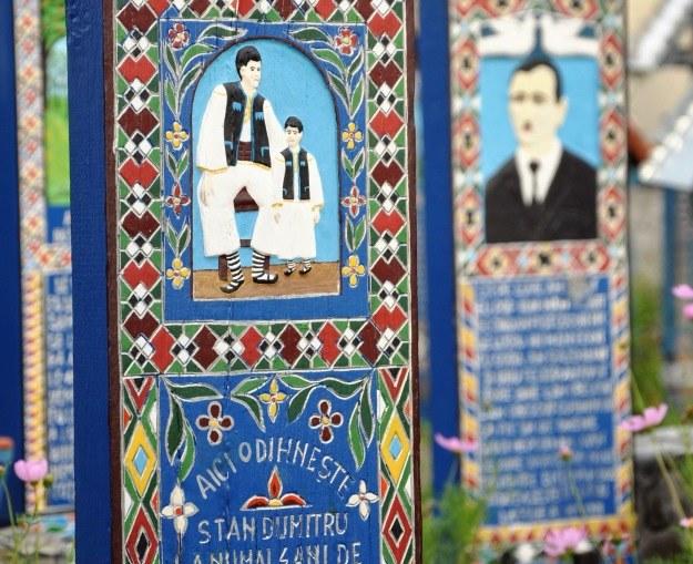 Wizerunki zmarlych i epitafia na cmentarzu w Sapancie /©123RF/PICSEL
