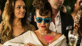 """""""Wkręceni 2"""" to szalona historia o polskim showbiznesie - z całym zestawem aktorskich sław. Anna Mucha gra w filmie znaną reżyserkę, która pracuje na planie popularnego serialu."""