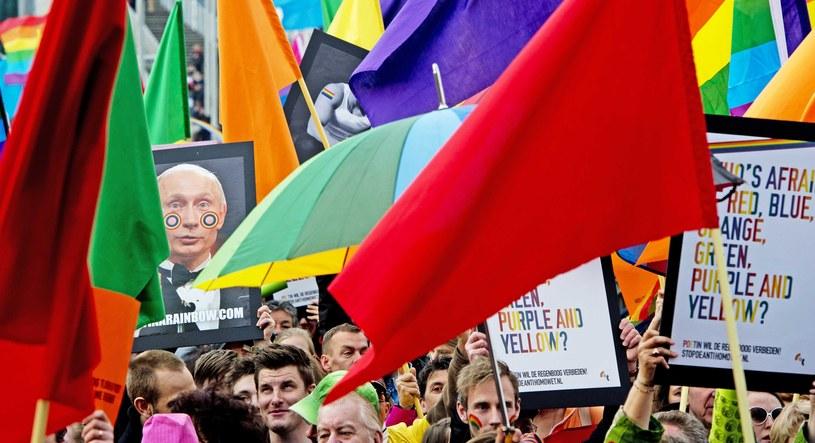 Wladimir Putin tłumaczył się w Amsterdamie przed środowiskami homoseksualnymi /AFP