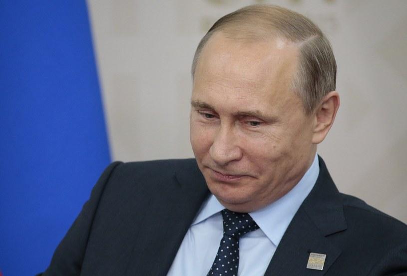 Władimir Putin wydał dekret, na mocy którego żywność objęta w Rosji embargiem, zatrzymana na granicy, będzie niszczona /IVAN SEKRETAREV /AFP
