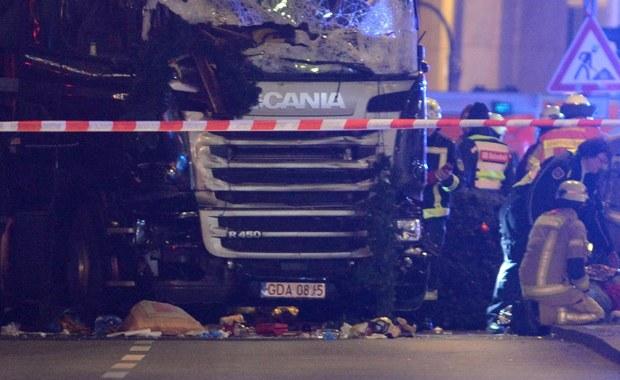 Właściciel ciężarówki, która wjechała w jarmark w Berlinie: Kierowca nie odbierał telefonu