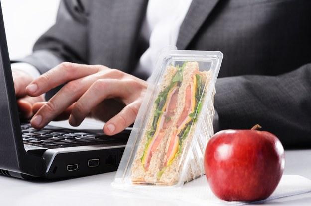 Właściwa dieta jest niezbędna, by móc w pełni wykorzystać swój potencjał zawodowy /123RF/PICSEL