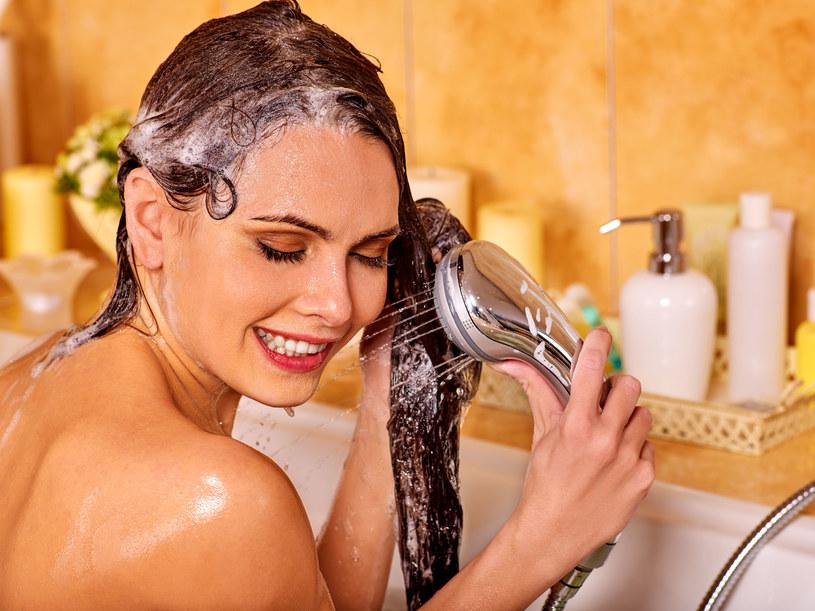 Właściwa pielęgnacja skóry głowy to połowa sukcesu /123RF/PICSEL