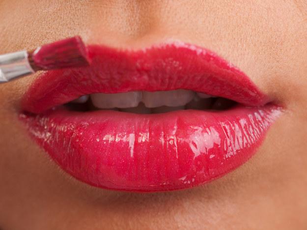 Właściwa pielęgnacja zapewni ustom zdrowy i piękny wygląd /123/RF PICSEL
