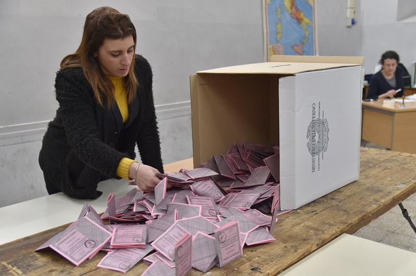 Włosi odrzucili w referendum rządową ustawę o zmianach w konstytucji /Andreas SOLARO / /AFP