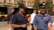Włoski patrol na ulicach Warszawy. Jak czują się w Polsce?