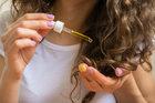 Włosy: Jak zregenerować je po wakacjach