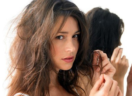 Włosy wymagają odpowiedniej pielęgnacji /materiały prasowe