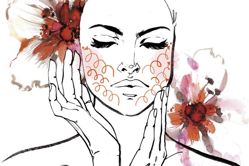 Wmasowywanie kremu wzmacnia mięśnie twarzy /Anna Halarewicz /Twój Styl