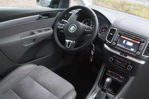 Wnętrze jak zwykle u Volkswagena wygodne i jakościowo bezbłędne /INTERIA.PL