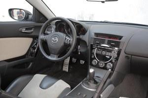 Wnętrze jest wykonane z materiałów wysokiej jakości i znakomicie spasowane. /Motor