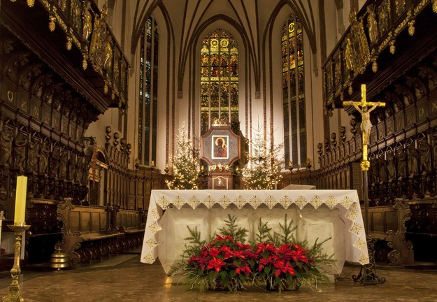 Wnętrze katedry św. Jana w Warszawie /123/RF PICSEL