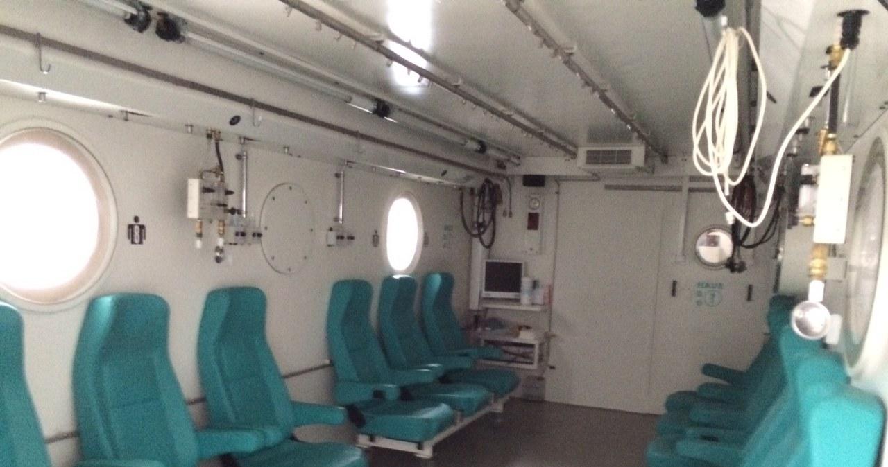 Wnętrze komory hiperbarycznej