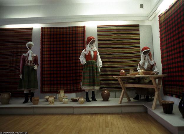 Wnętrze Muzeum Kultury Kurpiowskiej w Ostrołęce, którego oddziałem jest skansen w Kadzidle /MARIAN SADKOWSKI/REPORTER /East News