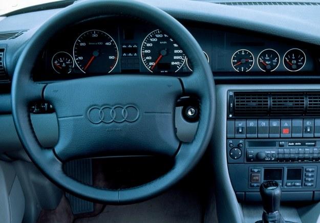 Wnętrze to przykład spokojnej elegancji. /Motor