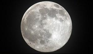 Woda na Ziemi i na Księżycu ma wspólne źródło