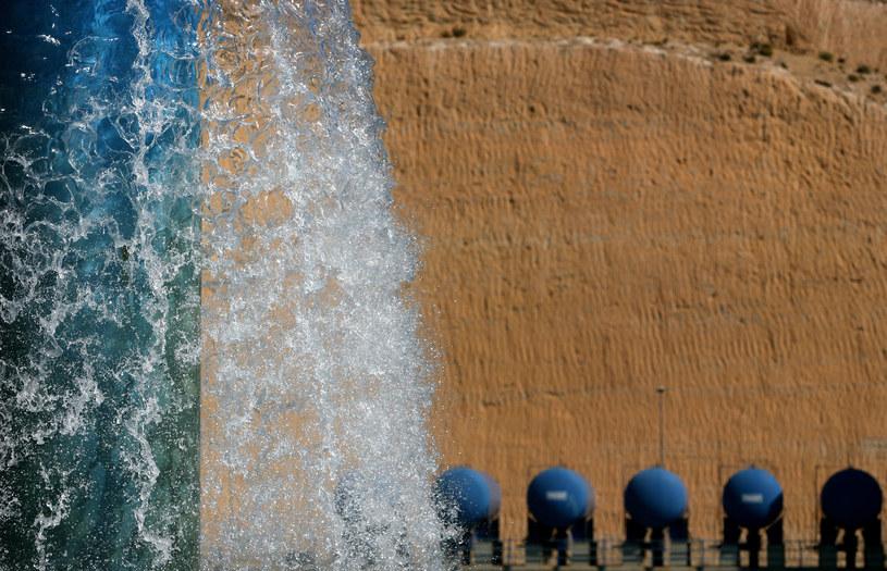Woda po procesie odsalania jest zdatna do spożycia, tu w jednej z hiszpańskich odslarni /AFP