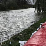 Woda w Zatoce Gdańskiej i na Martwej Wiśle powoli opada. W Elblągu pogotowie przeciwpowodziowe
