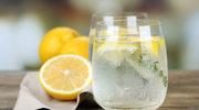 Woda z cytryną to samo zdrowie? Błąd!