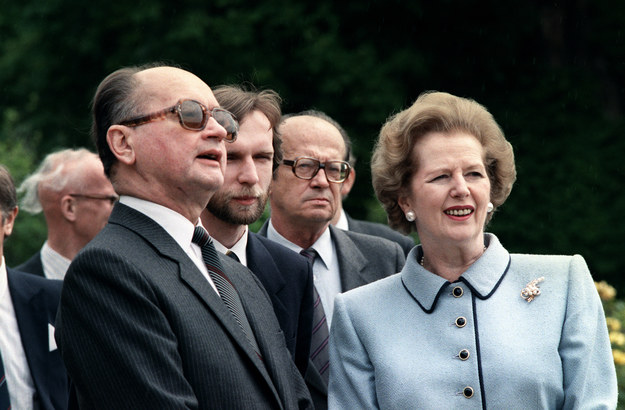 Wojciech Jaruzelski i Margaret Thatcher w 1989 roku /JOHNNY EGGITT /AFP